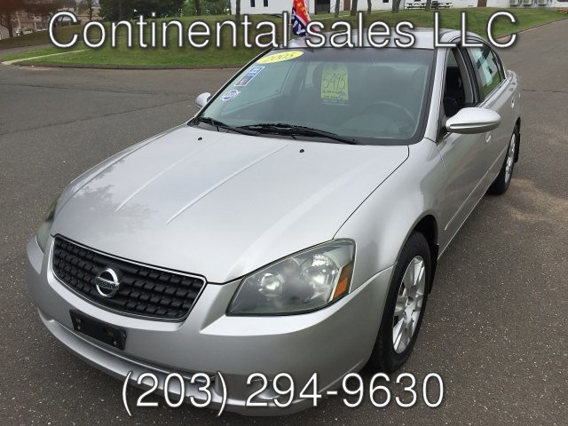 2005 Nissan Altima 2.5 S 4-Speed Automatic