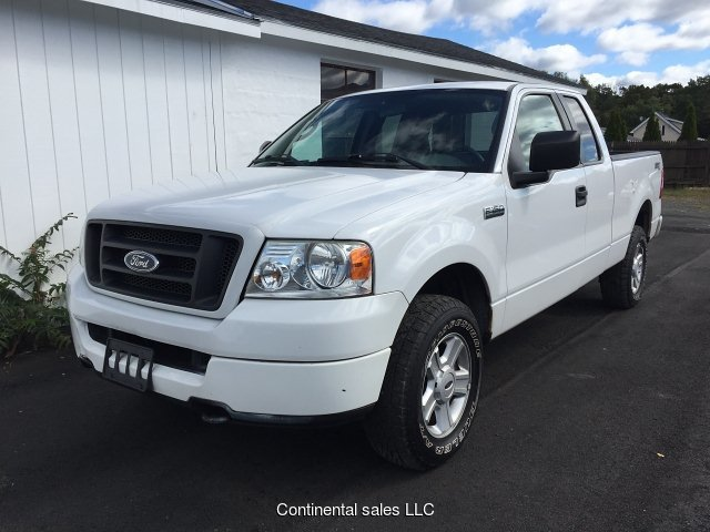 2005 Ford F-150 STX SuperCab 4WD 4-Speed Automatic