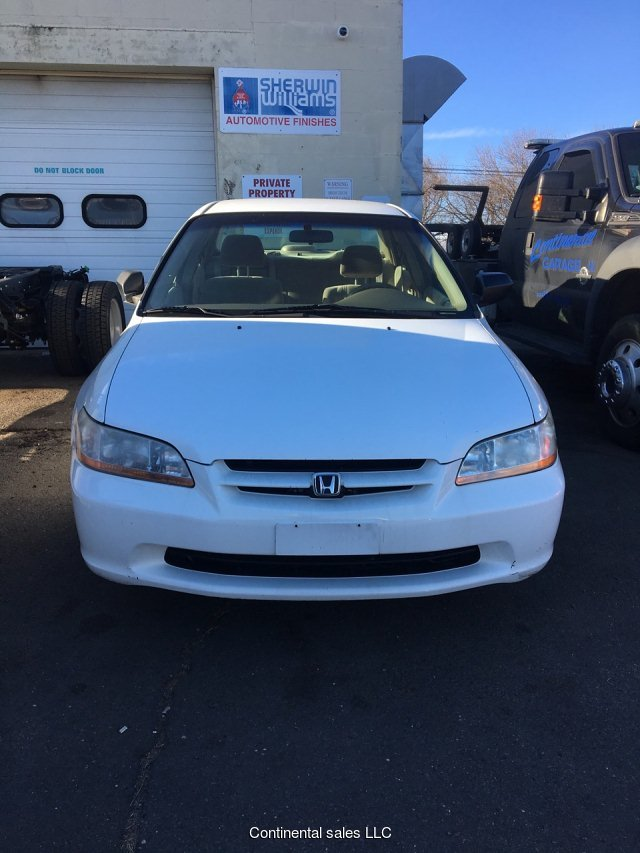 2000 Honda Accord DX sedan 4-Speed Automatic